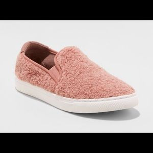 Women's mad Love slip on sneakers pink size 7